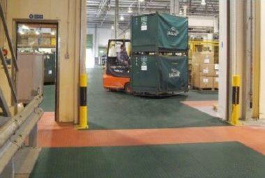Flexi-Tile Industrieboden Anwendung mit Stapler