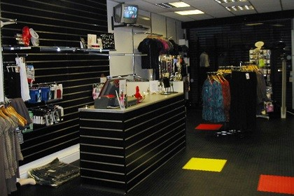 Flexi-Tile Commercial PVC Fliesen im Geschäft