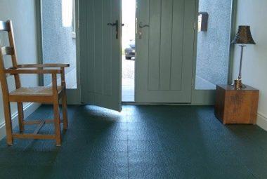 Flexi-Tile verlegt im Eingangsbereich