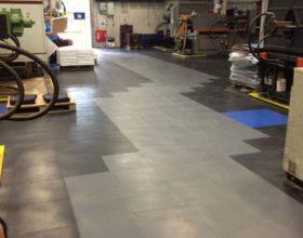 Flexi-Tile PVC Boden Beispielanwendung als Industrieboden