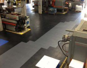 Flexi-Tile PVC Boden Beispielanwendung als Industriebodenbelag