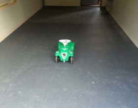 Flexi-Tile PVC Bodenfliesen als Garagenboden