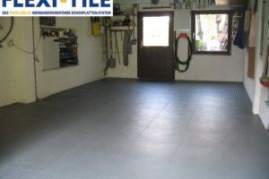 Flexi-Tile PVC Bodenfliesen als Garagenboden - Anwendungsbeispiel Dunkelgrau