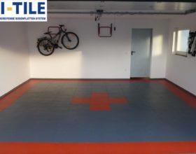 Flexi-Tile PVC Bodenfliesen als Garagenboden - Anwendungsbeispiel Rot und Dunkelgrau