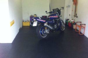 Flexi-Tile PVC Bodenfliesen als Garagenbodenfliesen
