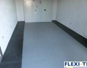 Flexi-Tile PVC Bodenfliesen im Garagenbereich - Anwendungsbeispiel Diamond  I