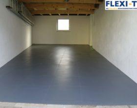 Flexi-Tile PVC-Fliesen im Garagenbereich - in strukturierter Hammerschlag-Optik
