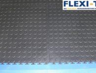 Flexi-Tile als PVC Garagenboden in Genoppt