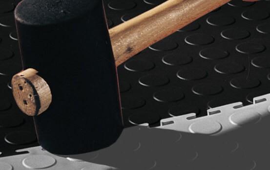 Flexi-Tile PVC Fliesen einfache und schnelle Verlegung mit Gummihammer
